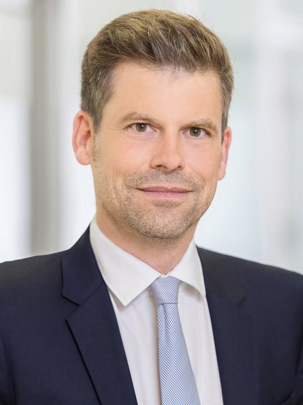 Dr. Georg Karl LL.M. - Fachanwalt für Strafrecht - Strafverteidiger Regensburg